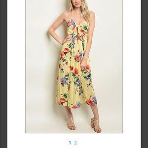 ❤️🛍 Beautiful Floral Dress!! ❤️🛍